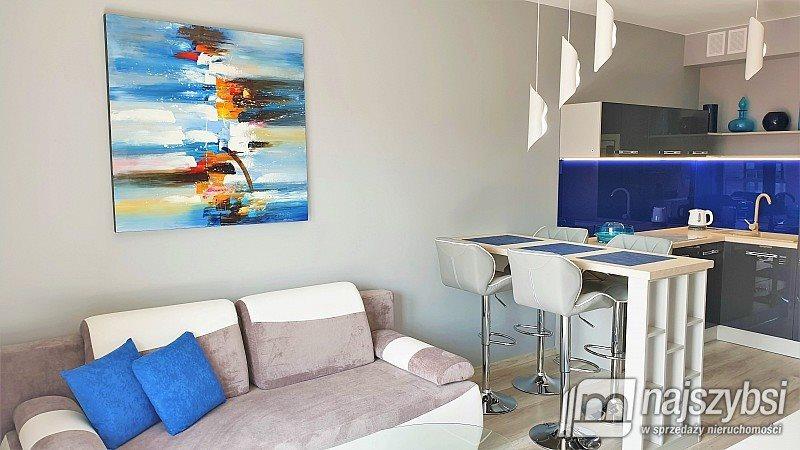 Mieszkanie dwupokojowe na sprzedaż Dziwnów, Centrum  31m2 Foto 1