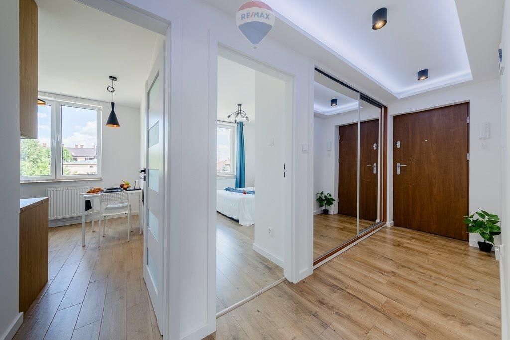 Mieszkanie dwupokojowe na sprzedaż Nowy Sącz, al. Stefana Batorego  46m2 Foto 1