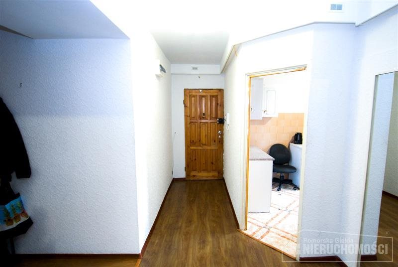 Mieszkanie trzypokojowe na sprzedaż Szczecinek, Centrum handlowe, Przedszkole, Władysława Bartoszewskiego  67m2 Foto 9