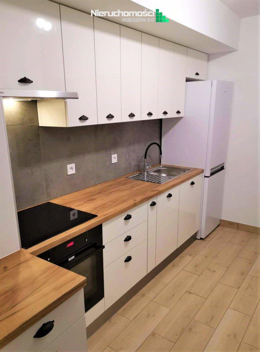 Mieszkanie czteropokojowe  na sprzedaż Rzeszów, Pobitno  92m2 Foto 1
