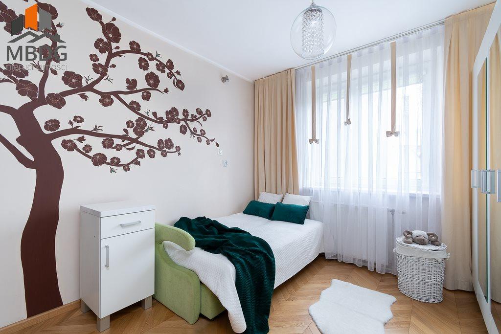 Mieszkanie trzypokojowe na sprzedaż Kraków, Nowa Huta, Nowohucka  65m2 Foto 1