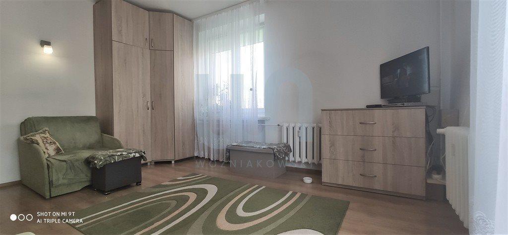 Mieszkanie dwupokojowe na sprzedaż Częstochowa, Śródmieście  57m2 Foto 2