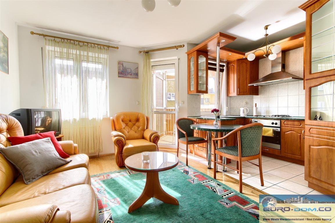 Mieszkanie dwupokojowe na wynajem Poznań, Jeżyce, Poznańska  40m2 Foto 1