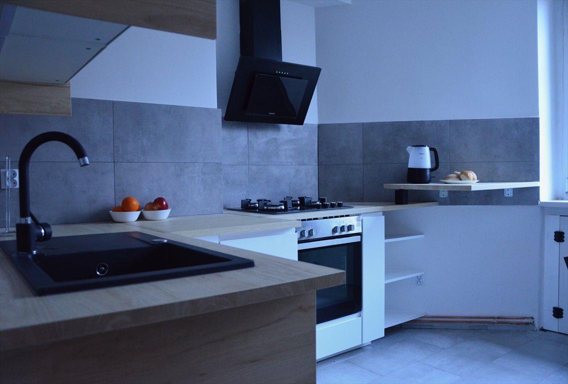 Mieszkanie dwupokojowe na wynajem Wrocław, Śródmieście, Roentgena/ Pl. Grunwaldzki  48m2 Foto 1