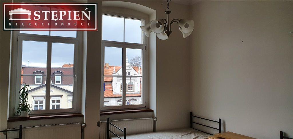 Mieszkanie czteropokojowe  na wynajem Jelenia Góra, Centrum  127m2 Foto 9