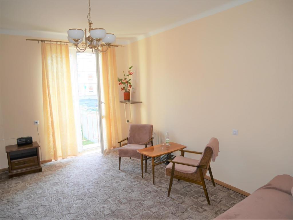 Mieszkanie dwupokojowe na wynajem Kielce, Centrum, Panoramiczna  48m2 Foto 1