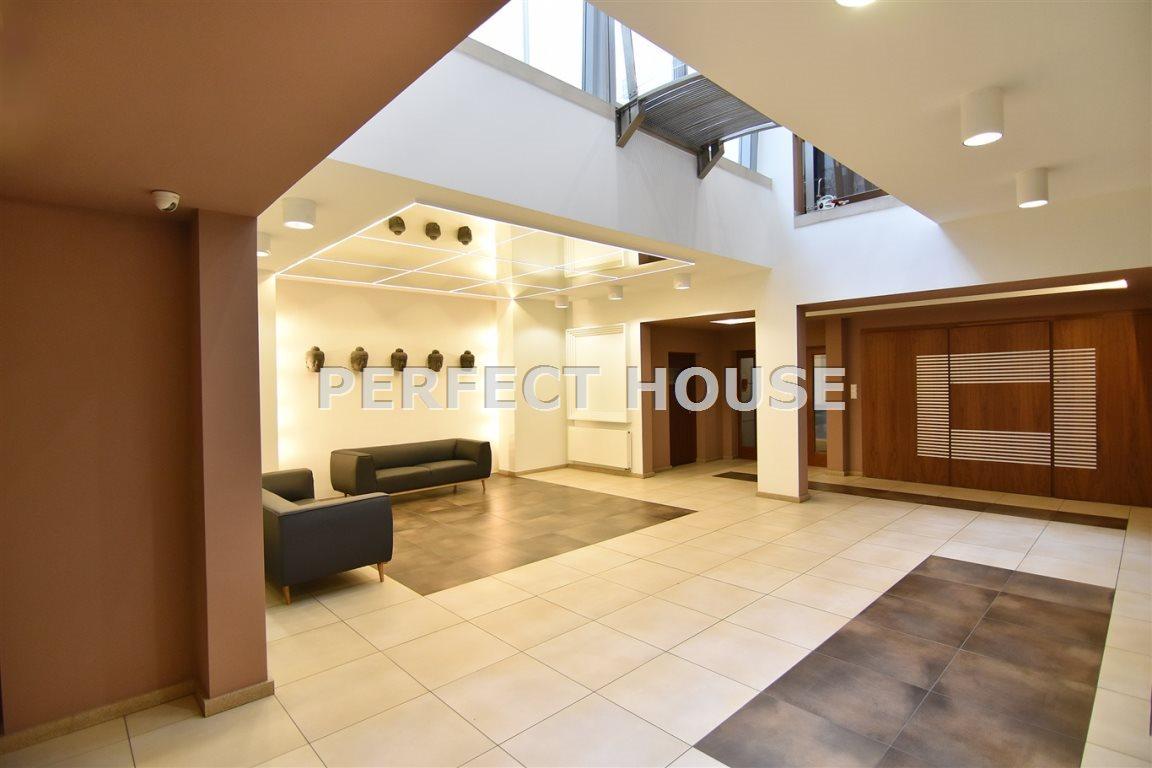 Luksusowe mieszkanie czteropokojowe  na sprzedaż Poznań, Centrum  142m2 Foto 2