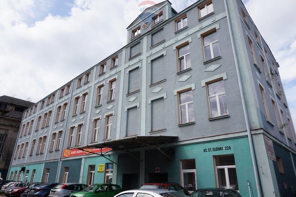 Mieszkanie dwupokojowe na sprzedaż Żywiec, ks. Prałata Stanisława Słonki  82m2 Foto 1