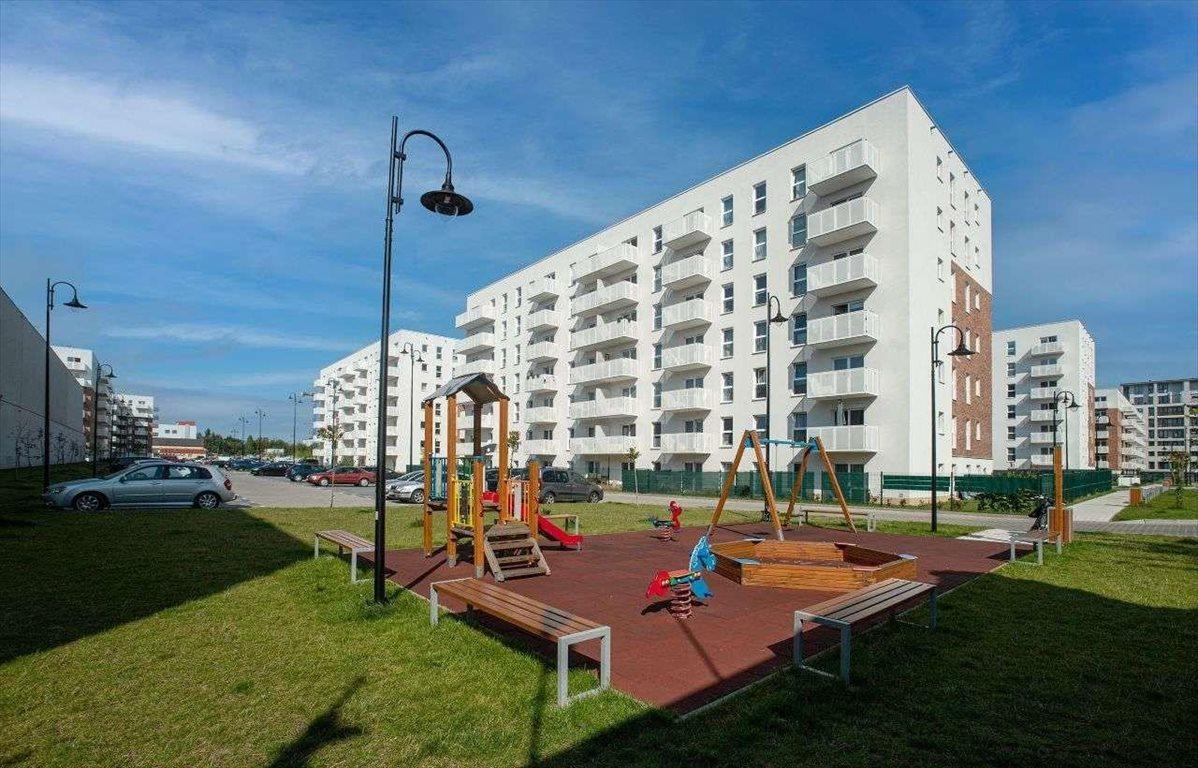 Mieszkanie czteropokojowe  na sprzedaż Łódź, Górna, łódź  60m2 Foto 1