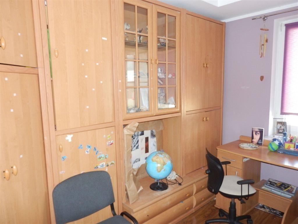 Mieszkanie czteropokojowe  na sprzedaż Strzelce Opolskie  75m2 Foto 6