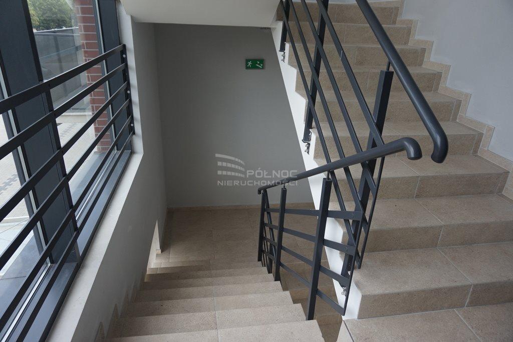 Mieszkanie dwupokojowe na wynajem Pabianice, Nowe 2 pokoje, winda, balkon, miejsce postojowe  46m2 Foto 11