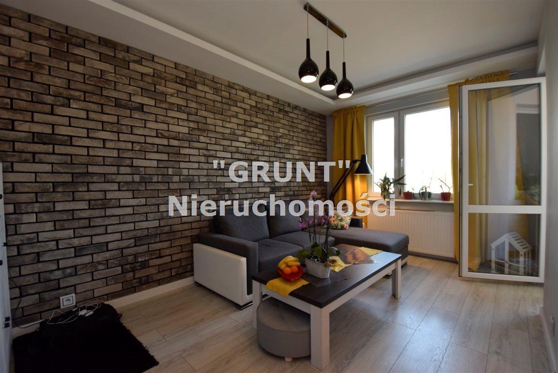Mieszkanie czteropokojowe  na sprzedaż Piła, Jadwiżyn  65m2 Foto 1