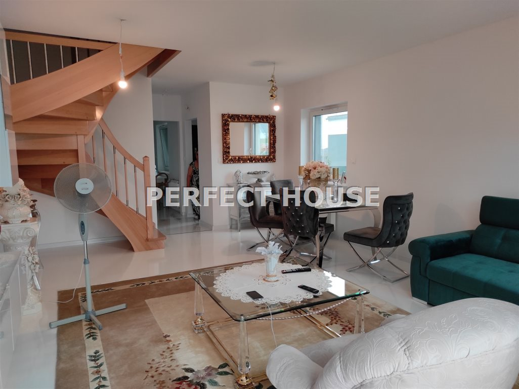 Mieszkanie trzypokojowe na sprzedaż Sady  86m2 Foto 4