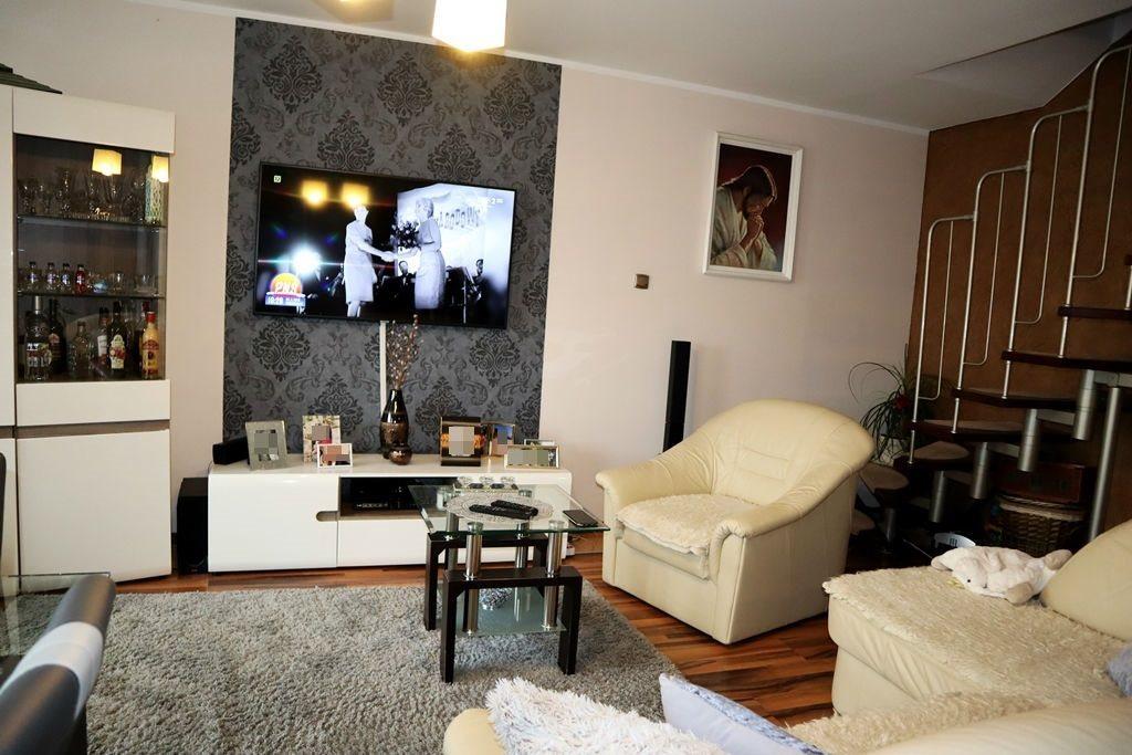 Mieszkanie trzypokojowe na sprzedaż Ełk, Osiedle Jeziorna  63m2 Foto 9