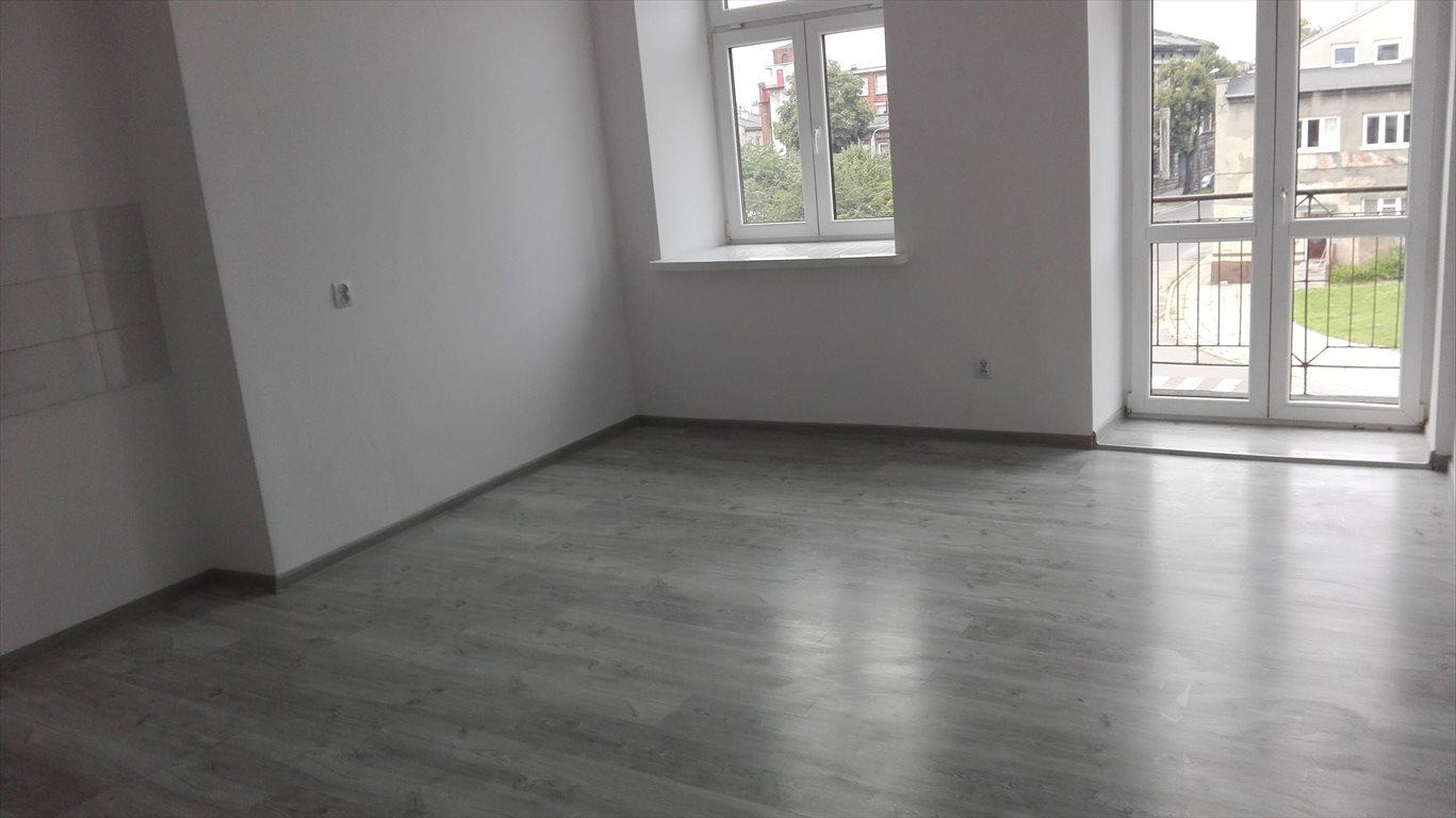 Mieszkanie dwupokojowe na wynajem Pabianice  41m2 Foto 1