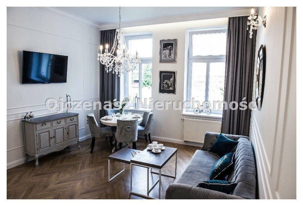 Mieszkanie dwupokojowe na wynajem Bydgoszcz, Centrum  46m2 Foto 1