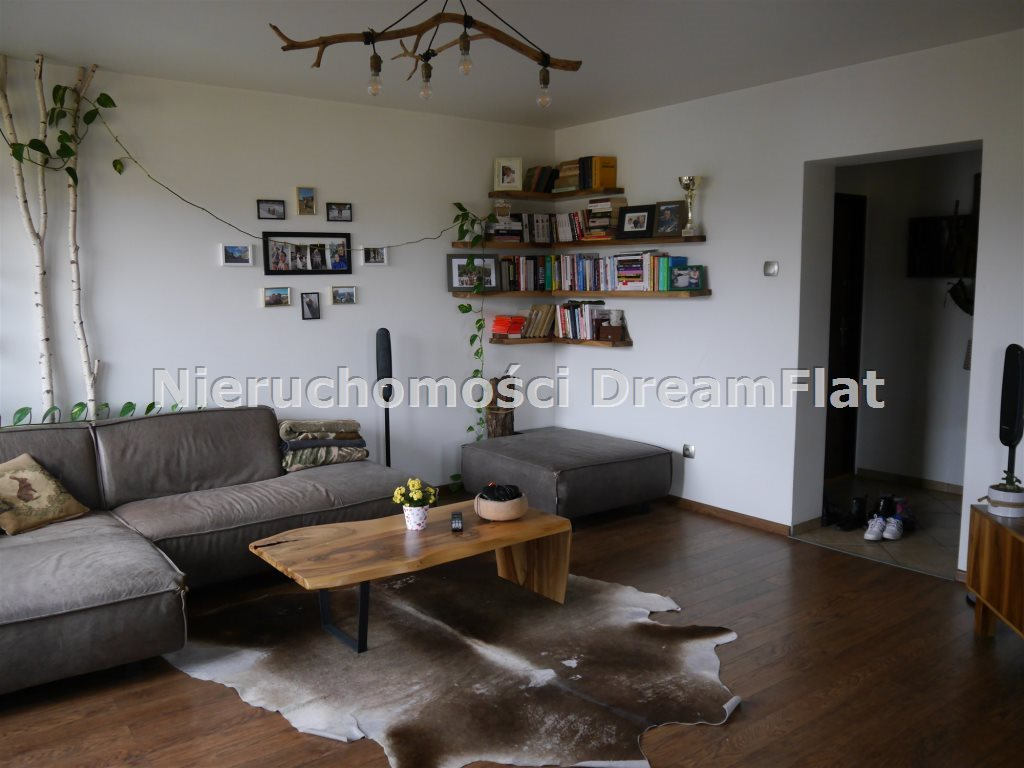 Mieszkanie trzypokojowe na sprzedaż Starachowice  70m2 Foto 1