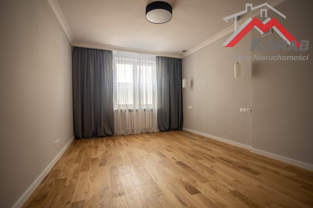 Mieszkanie trzypokojowe na sprzedaż Nowy Dwór Mazowiecki, Warszawska  68m2 Foto 9