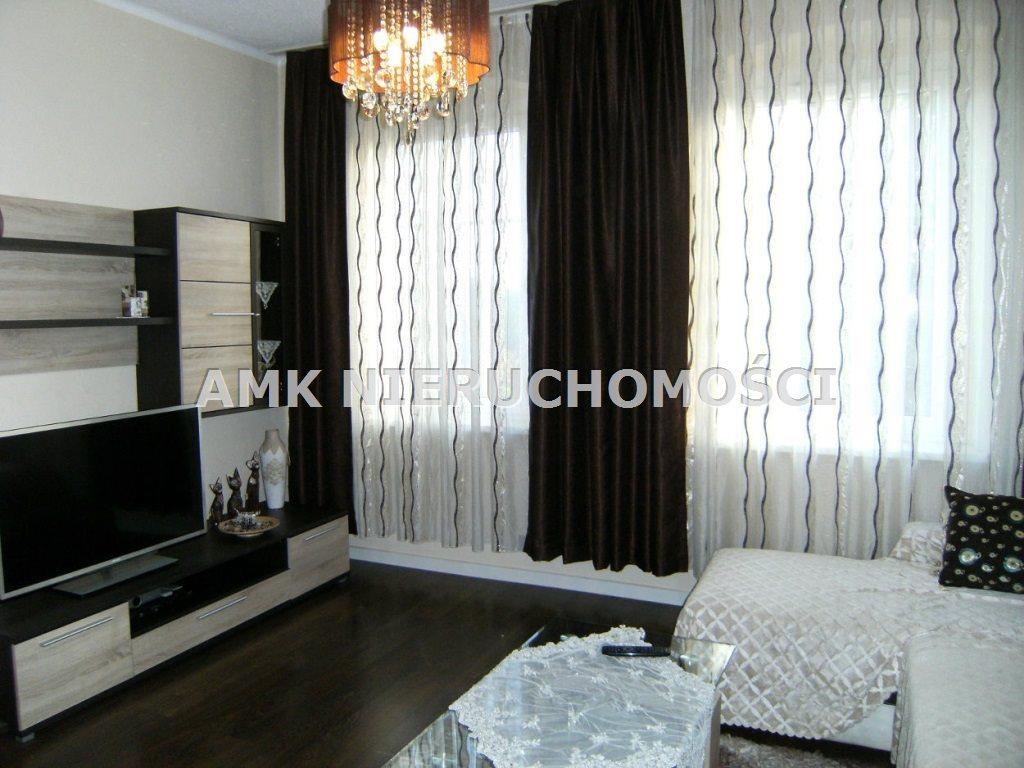 Mieszkanie dwupokojowe na wynajem Katowice, Szopienice  52m2 Foto 1