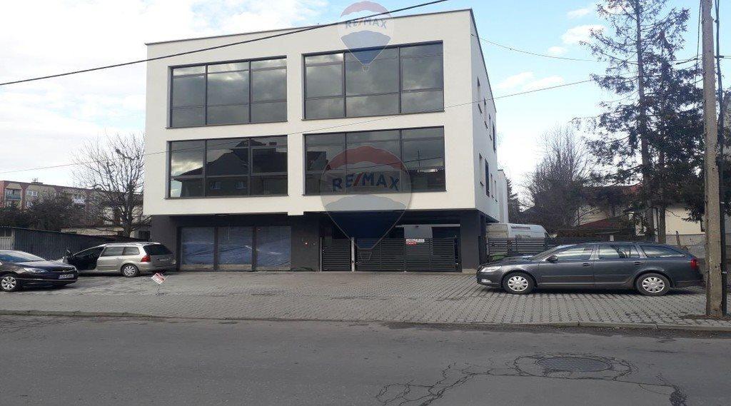 Lokal użytkowy na sprzedaż Nowy Sącz, Henryka Siemiradzkiego  1000m2 Foto 2