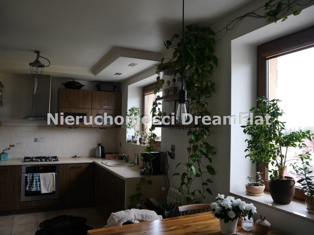Mieszkanie trzypokojowe na sprzedaż Starachowice  70m2 Foto 2