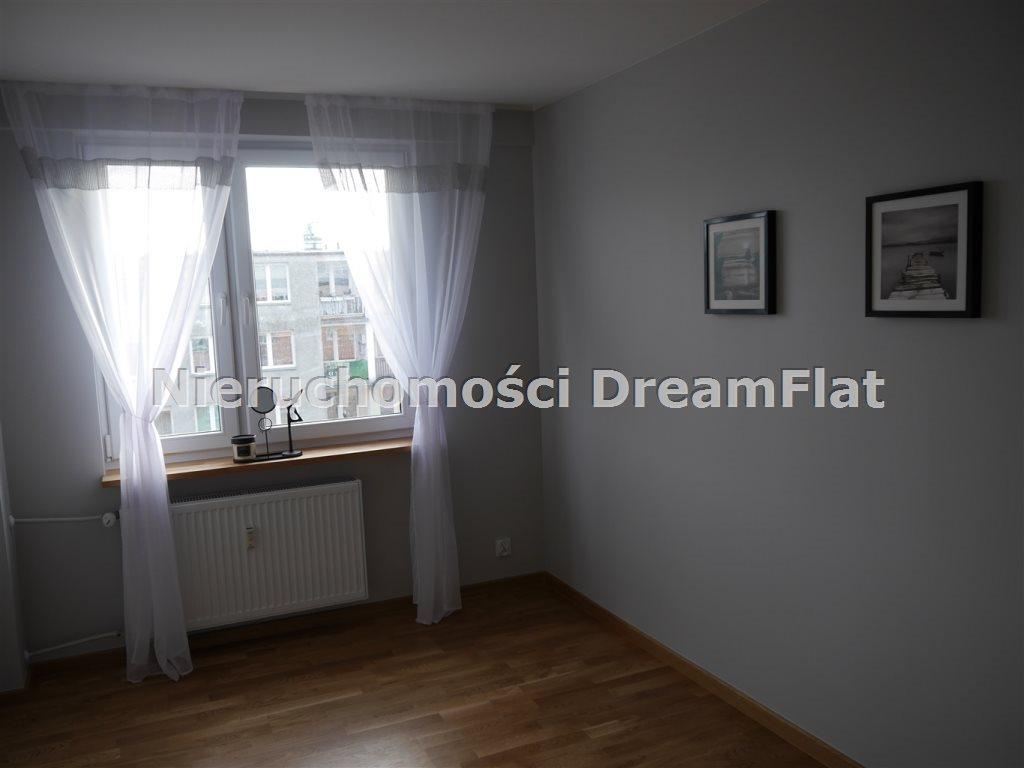 Mieszkanie trzypokojowe na sprzedaż Ostrowiec Świętokrzyski  47m2 Foto 2