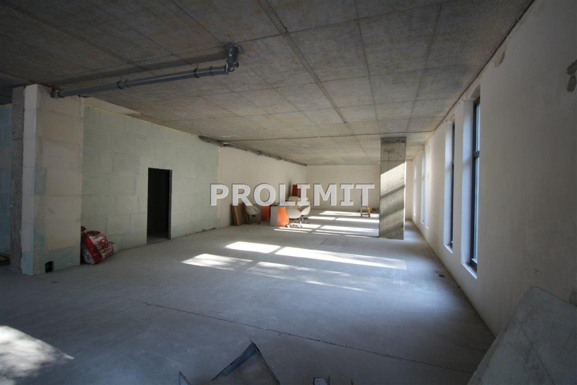 Lokal użytkowy na sprzedaż Katowice, Wełnowiec  328m2 Foto 1