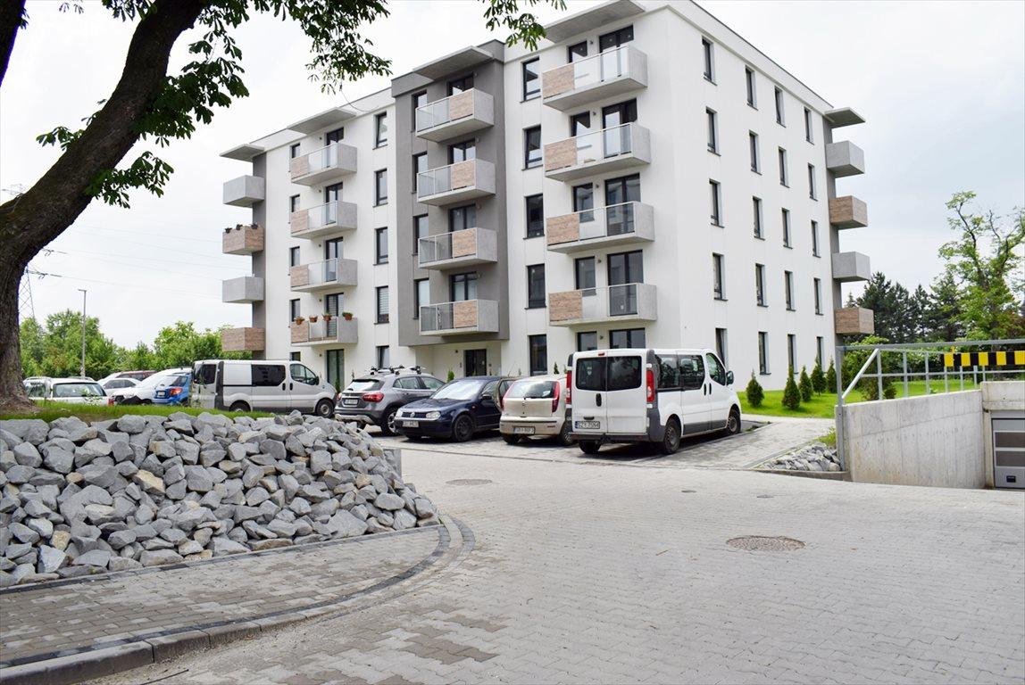 Mieszkanie trzypokojowe na sprzedaż Bielsko-Biała, Lipnik  59m2 Foto 1
