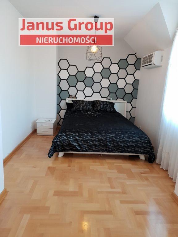 Dom na sprzedaż Bełchatów  117m2 Foto 1