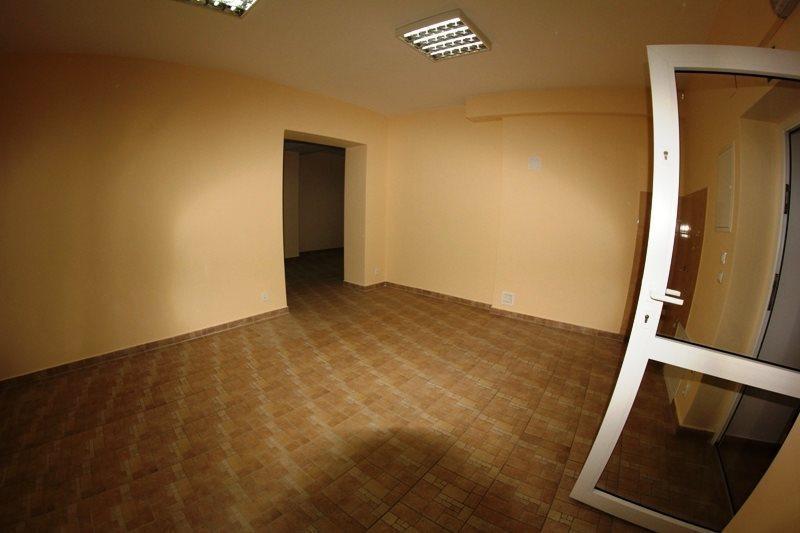 Lokal użytkowy na wynajem Kielce, Centrum  78m2 Foto 2