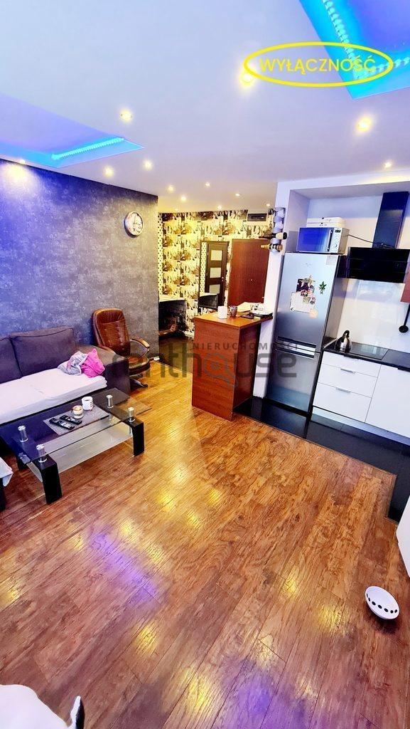 Mieszkanie trzypokojowe na sprzedaż Bielsko-Biała  57m2 Foto 1