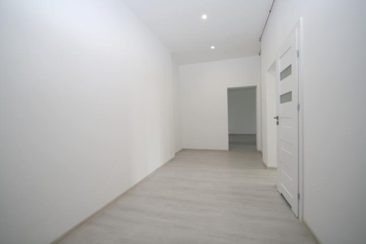 Mieszkanie trzypokojowe na sprzedaż Kluczbork, Zamkowa  79m2 Foto 2