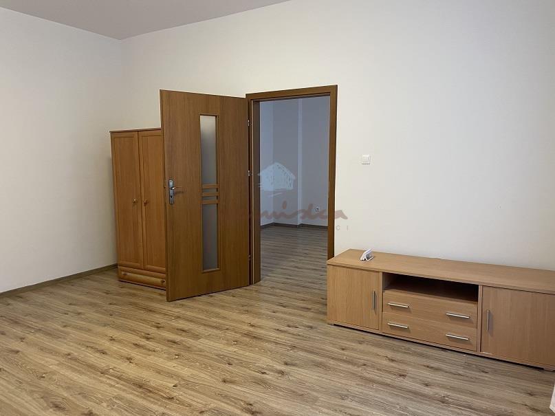 Mieszkanie dwupokojowe na wynajem Gniezno, Centrum, Żuławy  56m2 Foto 7