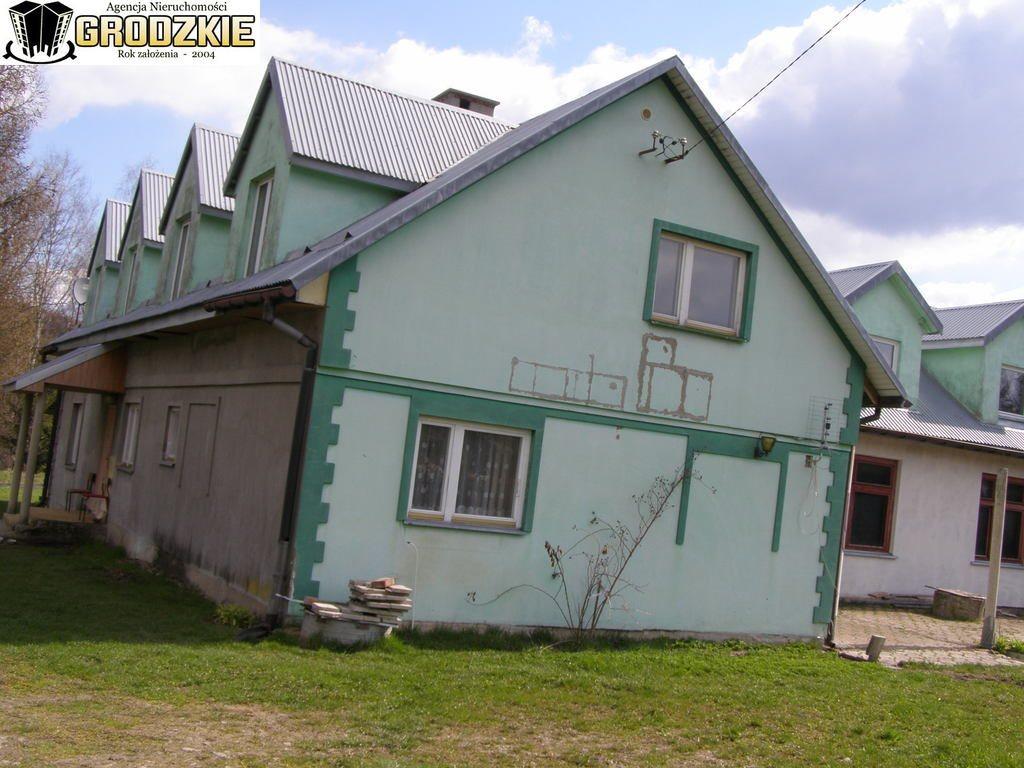 Dom na sprzedaż Ustrzyki Dolne  300m2 Foto 1