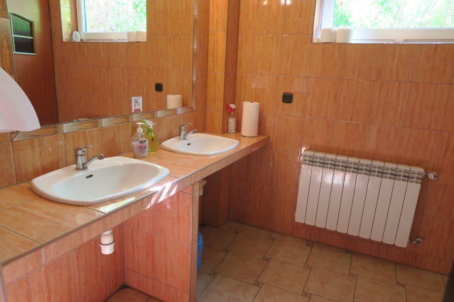 Lokal użytkowy na sprzedaż Puszcza Mariańska  400m2 Foto 4