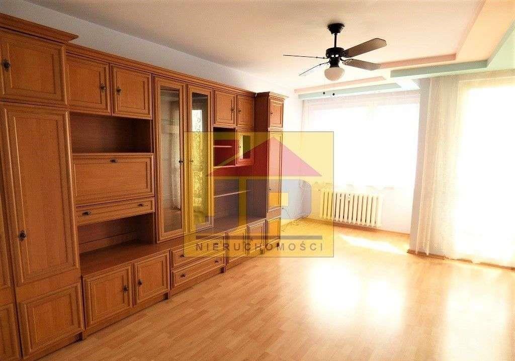 Mieszkanie trzypokojowe na sprzedaż Kluczbork  58m2 Foto 2
