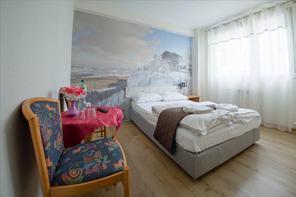 Mieszkanie trzypokojowe na sprzedaż Polanica-Zdrój, Polanica-Zdrój, Jaśminowa  58m2 Foto 3