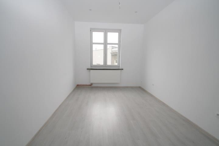 Mieszkanie trzypokojowe na sprzedaż Kluczbork, Zamkowa  79m2 Foto 3