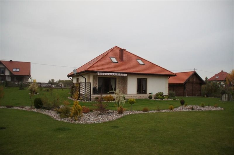 Dom na sprzedaż Węgorzewo  140m2 Foto 1