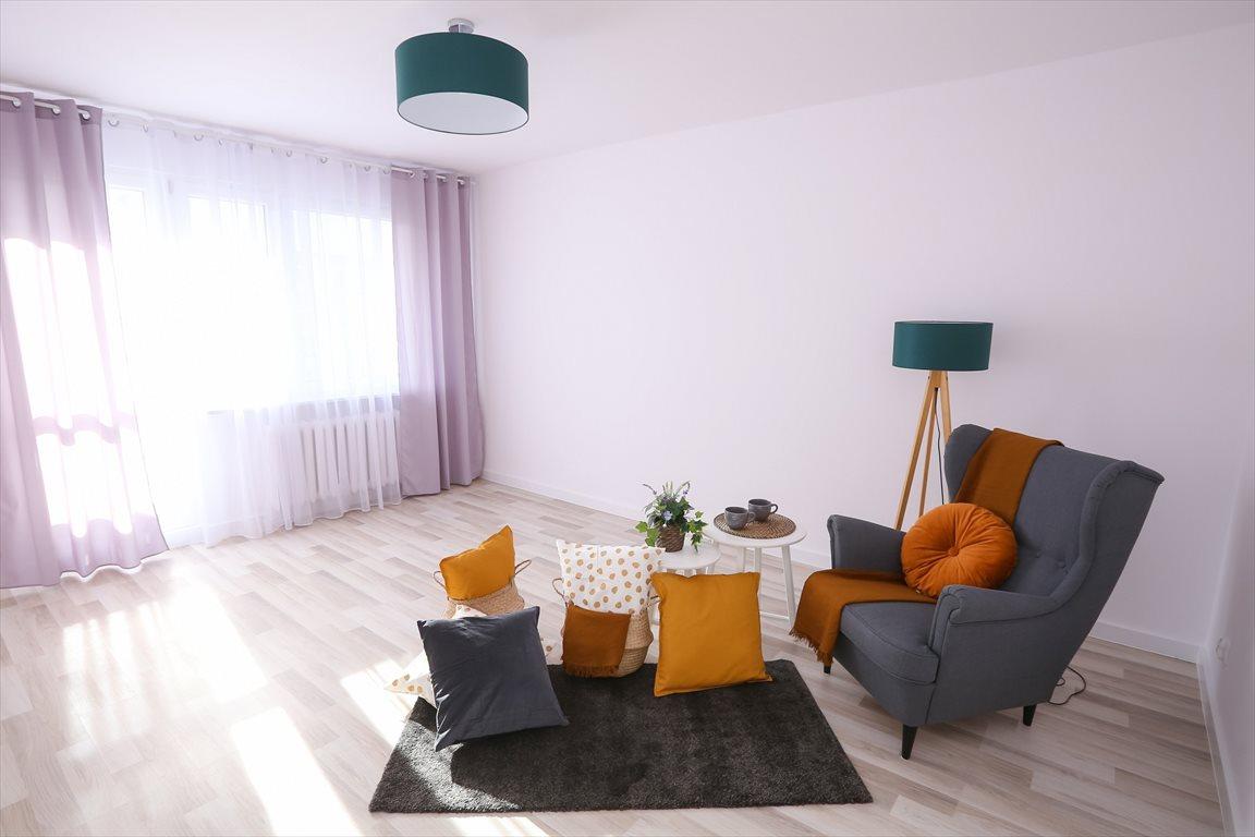 Mieszkanie trzypokojowe na sprzedaż Gdynia, Cisowa, Chylońska  63m2 Foto 1