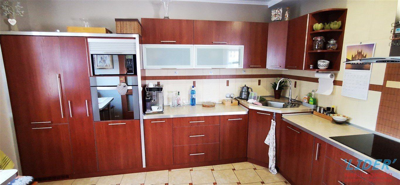 Dom na sprzedaż Tychy  200m2 Foto 2
