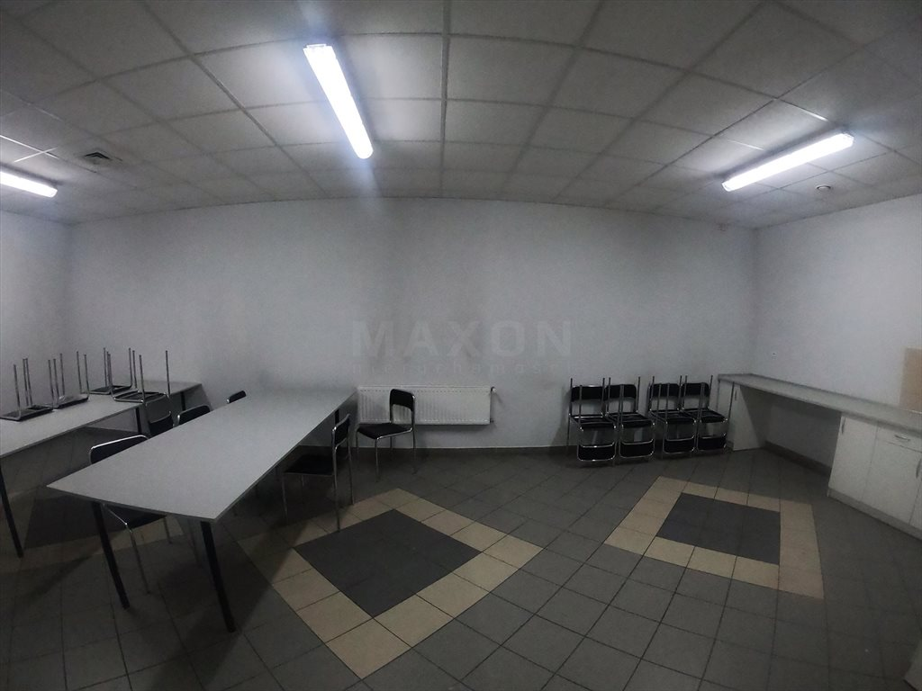 Lokal użytkowy na wynajem Regnów  8500m2 Foto 3