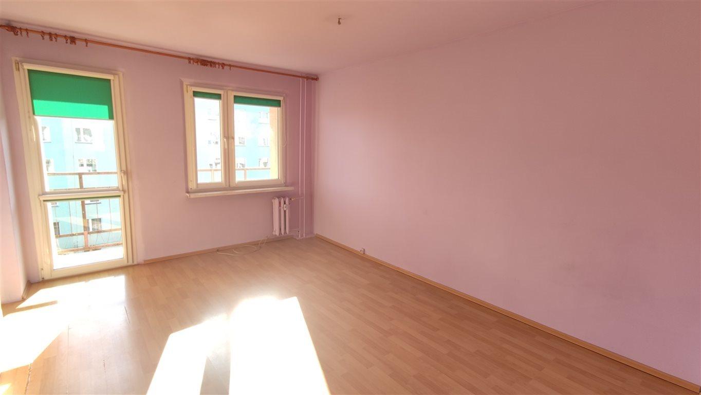 Mieszkanie trzypokojowe na sprzedaż Świebodzice, Osiedle Piastowskie  60m2 Foto 1