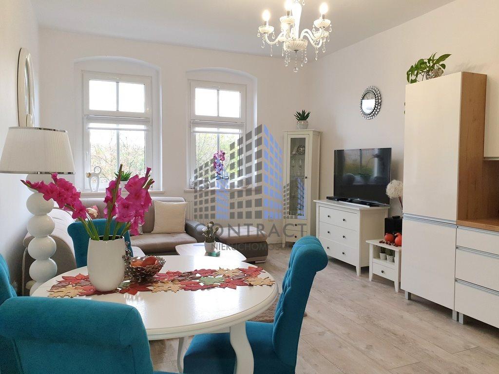 Mieszkanie trzypokojowe na sprzedaż Legnica  66m2 Foto 1
