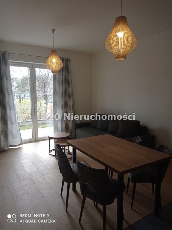 Mieszkanie trzypokojowe na wynajem Wieliczka, Centrum, Adama Asnyka  57m2 Foto 2