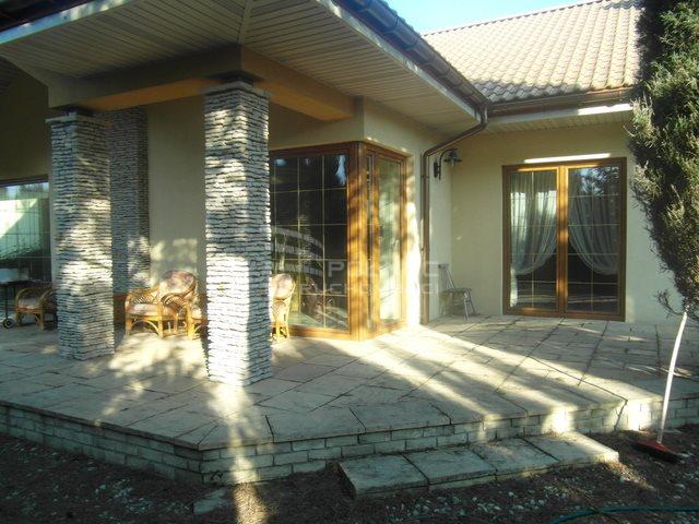 Dom na wynajem Pabianice, W cichej okolicy  198m2 Foto 1