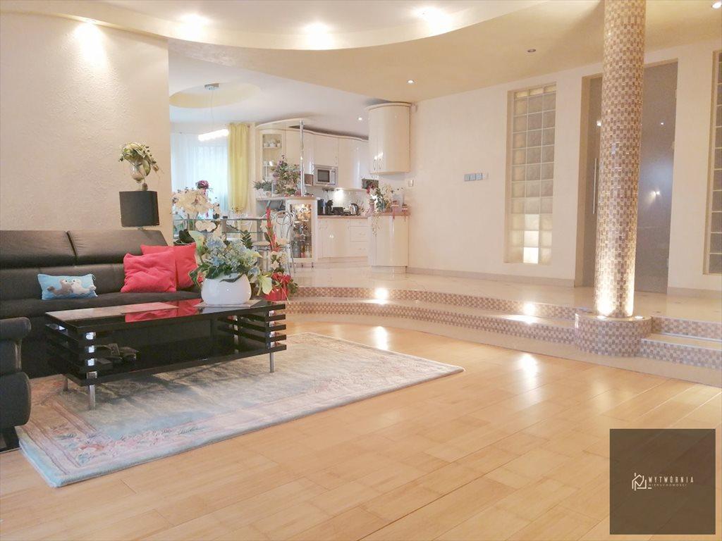 Dom na sprzedaż Tuszyn  242m2 Foto 1