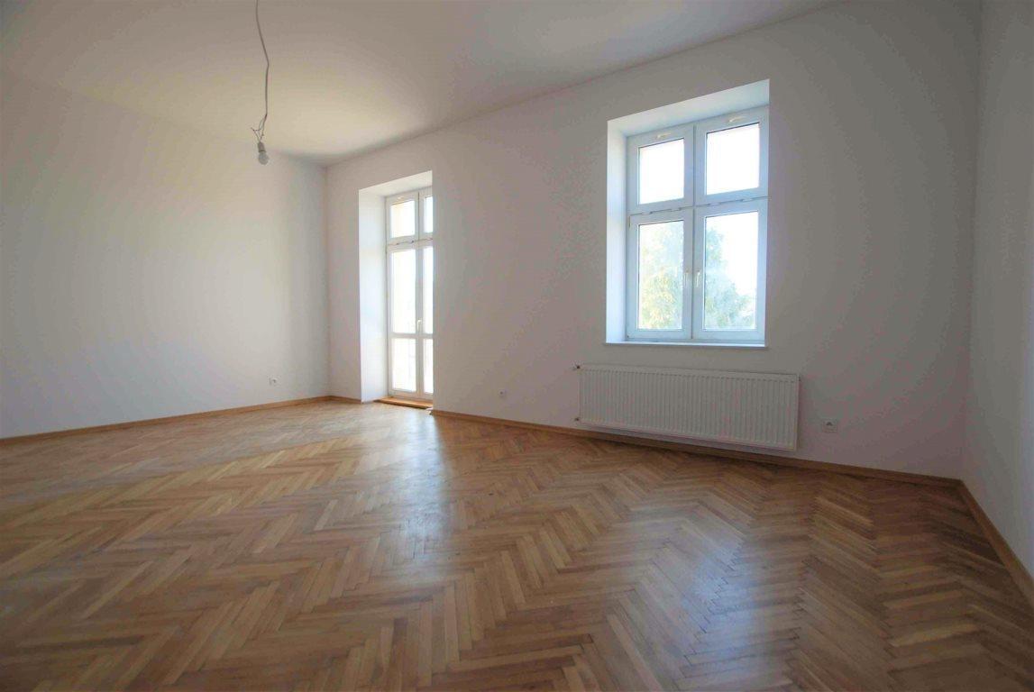 Mieszkanie dwupokojowe na wynajem Kielce, Centrum  91m2 Foto 1