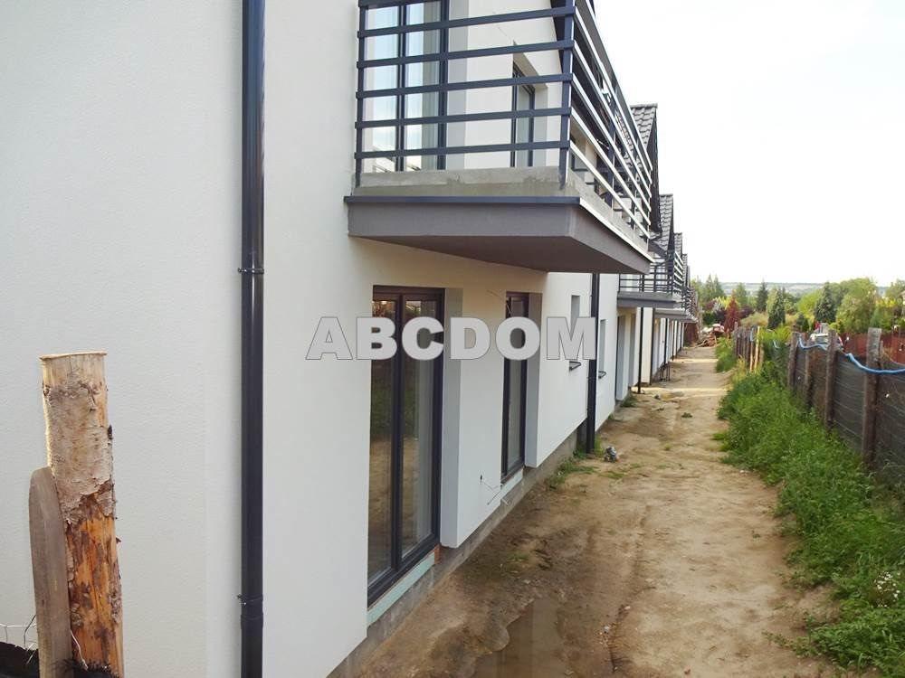 Mieszkanie czteropokojowe  na sprzedaż Rząska, Rząska  69m2 Foto 2
