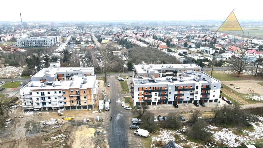 Mieszkanie trzypokojowe na sprzedaż Leszno, Myśliwska  52m2 Foto 2